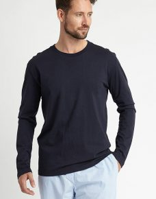 Man wearing a Plain Jersey Long Sleeved T-shirt Navy